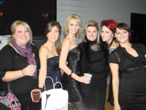 (L-R) Samuel Cole Salon's Sara Beard, Britt Crane, Ashley Collins, Joelle Ray, Erin Shebaugh and Kristina Weeks.