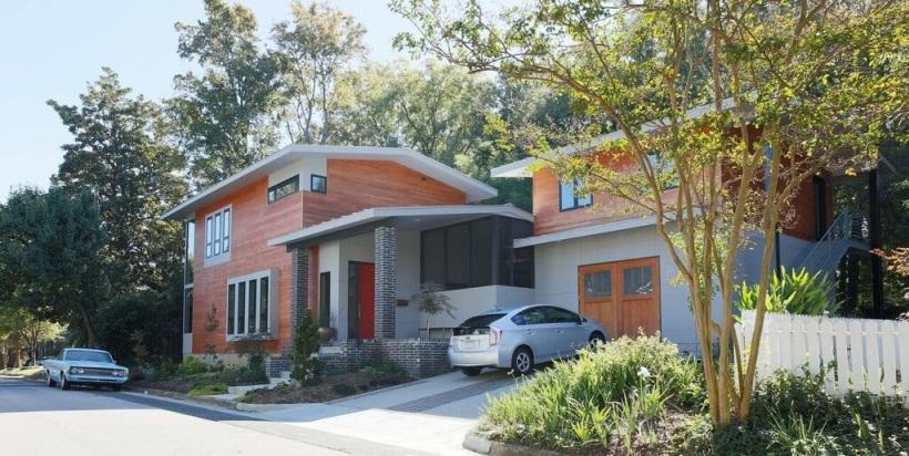 The Cherry-Gordon House in Raleigh's HIstoric Oakwood neighborhood is among the houses on NCMH's spring tour.